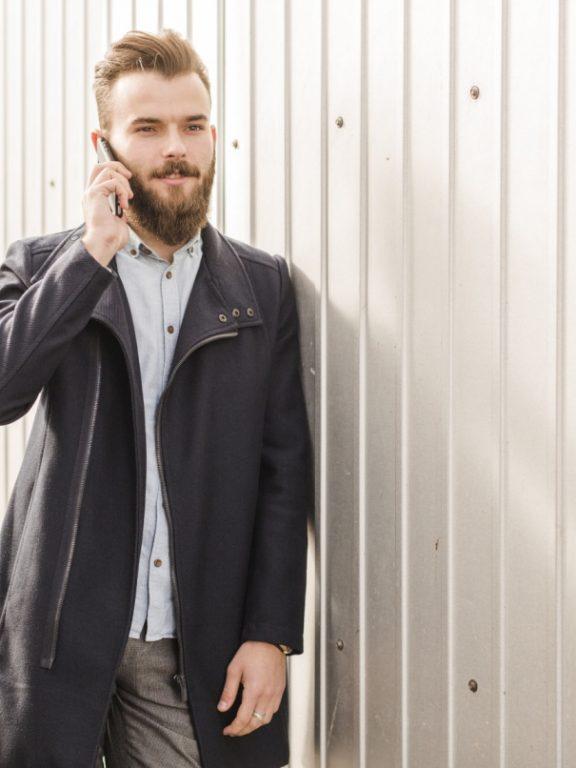 Elegancki płaszcz męski idealny na zimę